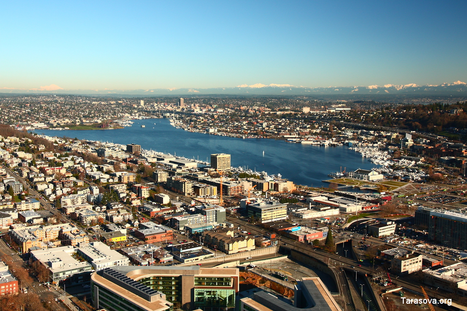 Озеро Lake Union и район города South Lake Union