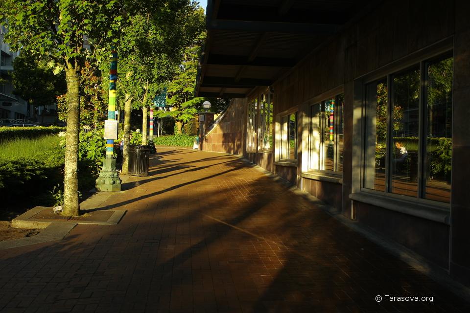 Тихая улочка в центре Беллвью